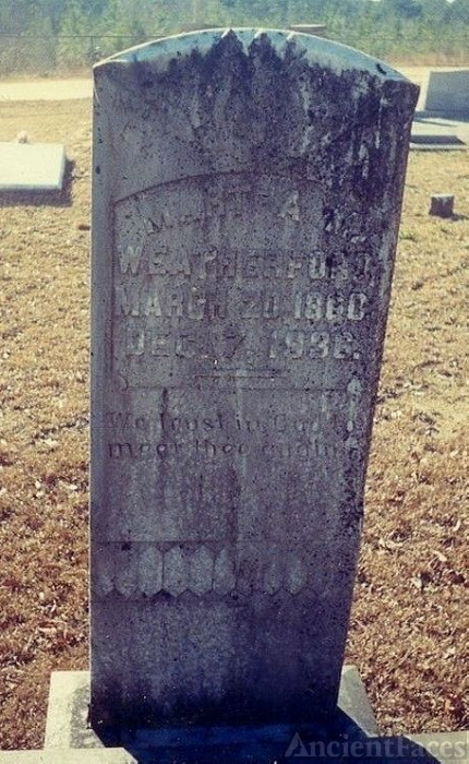 Grave of Martha Mae Weatherford