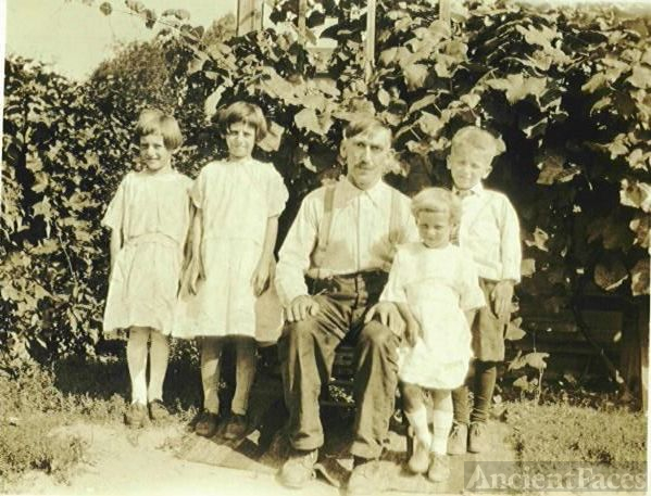 Man with 4 children