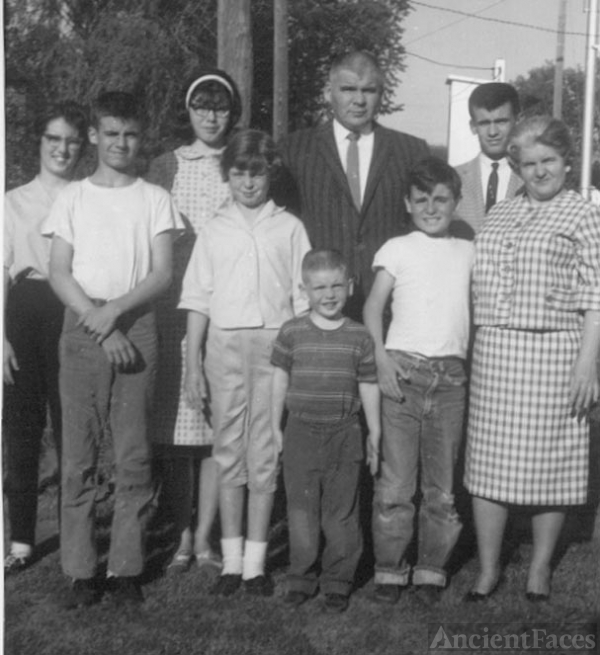 James Edward Ramage Family, 1960
