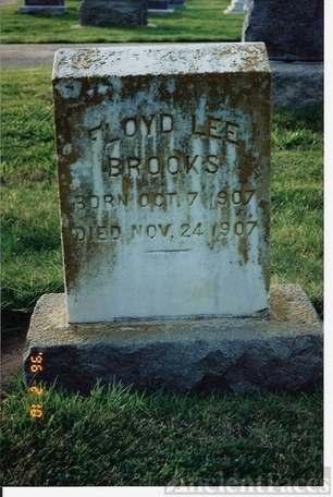 Floyd Lee Brooks gravestone