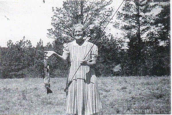 Mary Lucy (LoEnstein) Farus Davis, Fishing
