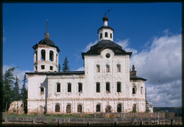 Church of the Savior (1775), south facade, Urik, Russia