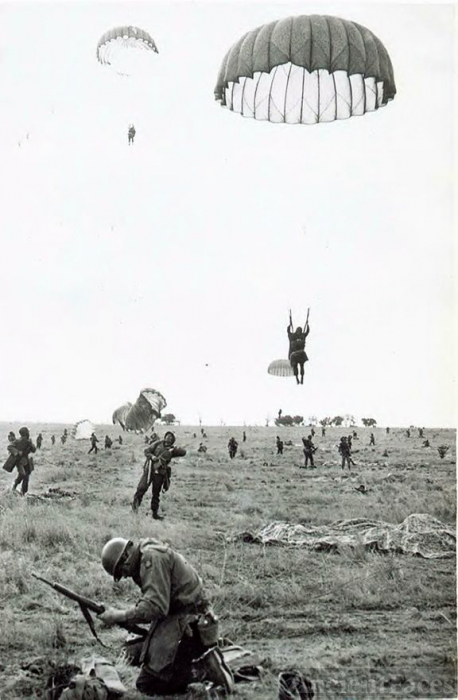 82nd Paratroopers On Drop Zone