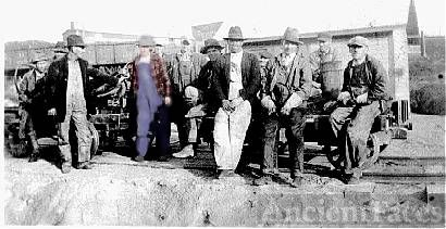 H&NE Railroad work gang