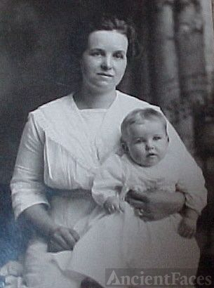 Grandmother Netta Wetzel Dillon with Louise Dillon