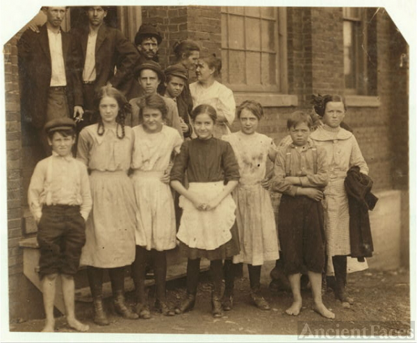 All these are workers in the Cherokee Hosiery Mill, Rome,...