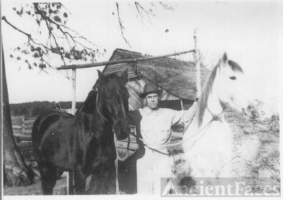Horace Rufus Condley with horses AR