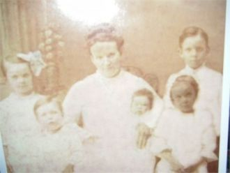 Lydia Mullen Dempsey and 5 of her children