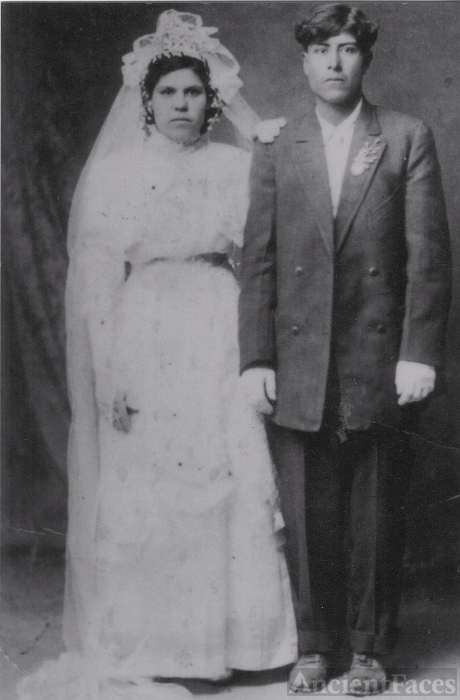 Manuela and Thamas Esquivel, 1914