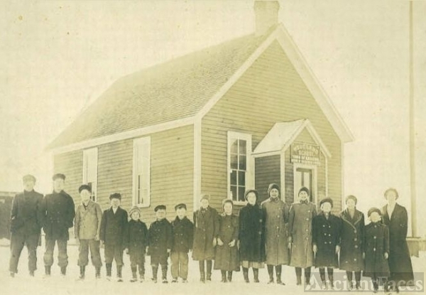 Outside Woodland School Wentworth, Wis. 1913