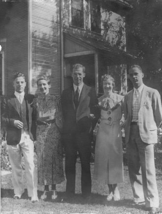 A photo of Dore Siblings, 1932