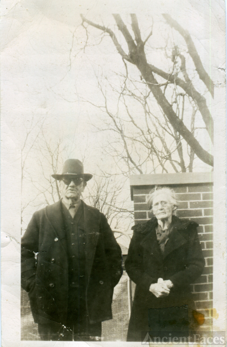 Norval & Louella (Stinnett) Moseley, Kentucky