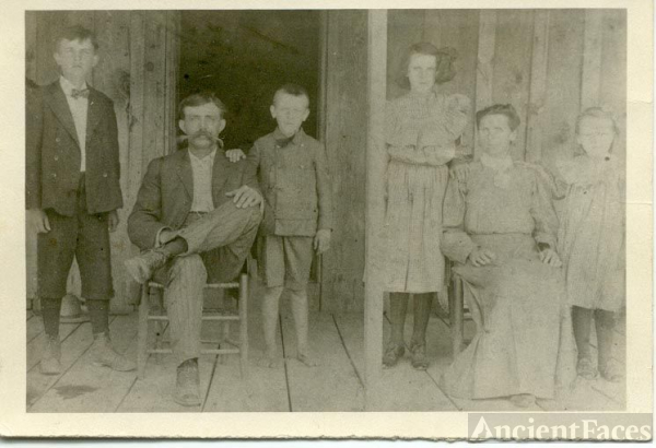 Charles Edward & Nancy Jane (Riddle) Cobb Family