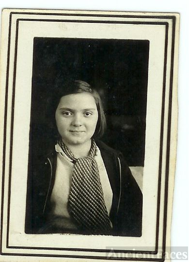 Lucille Marie Dyer - school picture