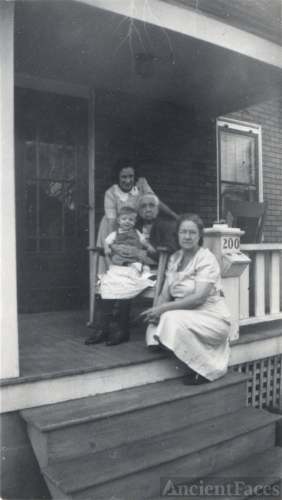 Ingram family, 1945