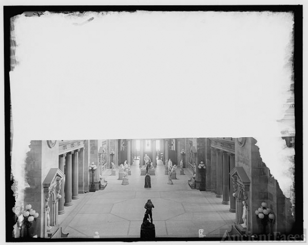 [New York, N.Y., Statuary Hall, Metropolitan Museum]