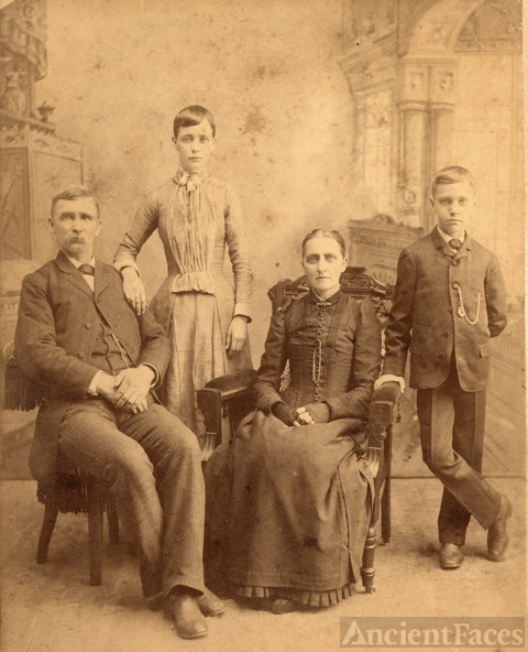 Rutledge or Nebergall family, Fulton County Illinois
