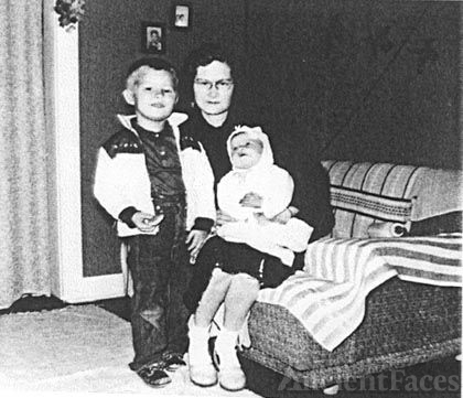 Louis Ray Oliver, Jr. Cindy Oliver, & Unknown Lady