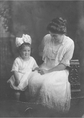 Dorothy May and her Mama