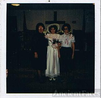 Cheryl Quick's wedding photo with Grandmothers
