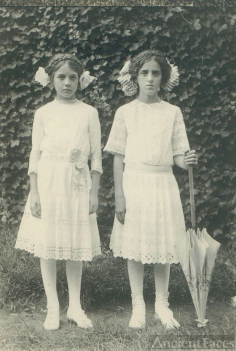 Unknown Young Ladies 2