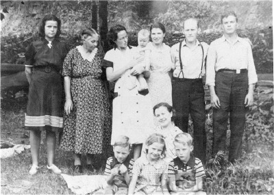 Branham/Mullins family group Pike County, KY