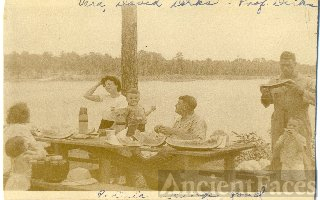 Dirks and Sinclairs, picnic at Kings Pond