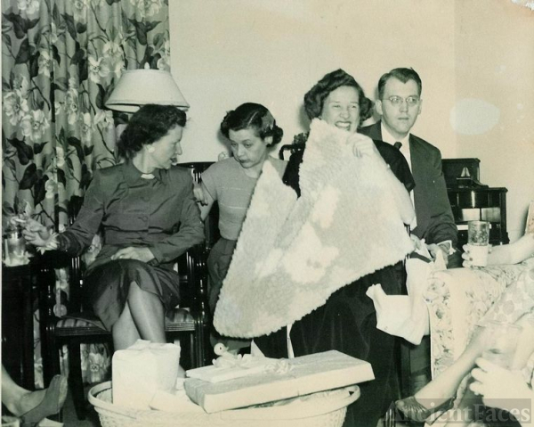 Couple Baby Shower 1946