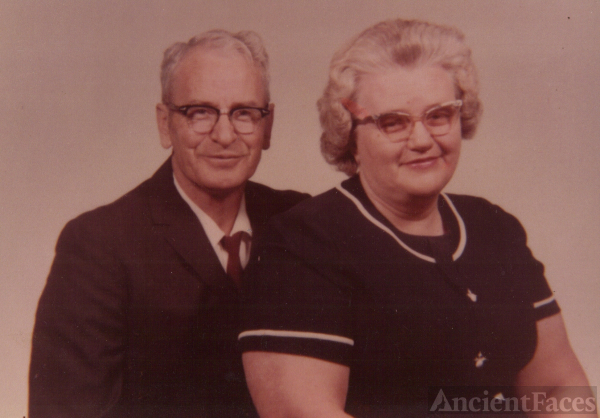 Hershall & Mary Lou (Tripplet) Pell,  TN