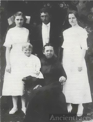DILLON Family of Conway, AR