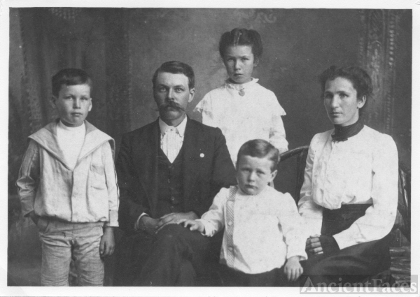 Julian Pinkney Inglis Family