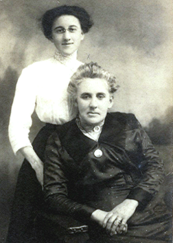 Annie & daughter. Sister to Frank Wallace