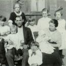 Father&MotherYoung with children-1921