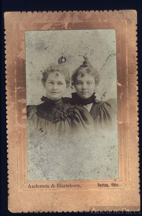 Routsong Sisters