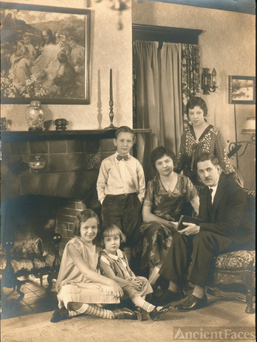 Unknown Minnesota Family