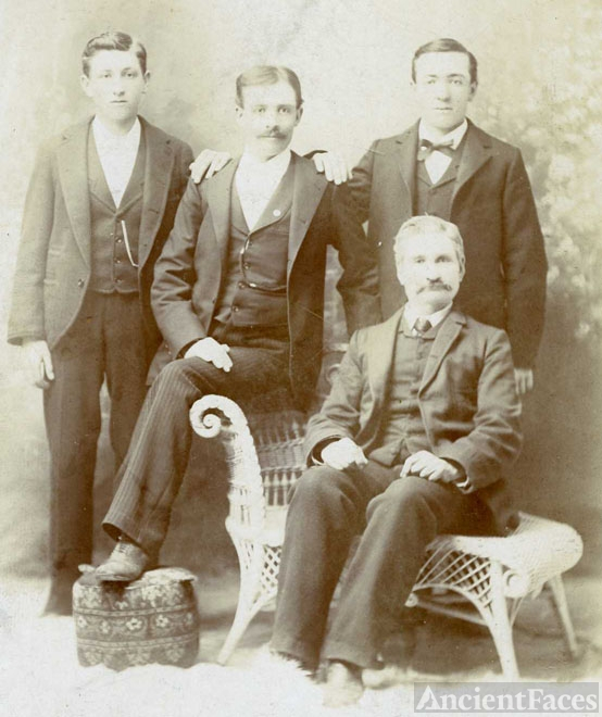 Arch McTaggart & family, KS