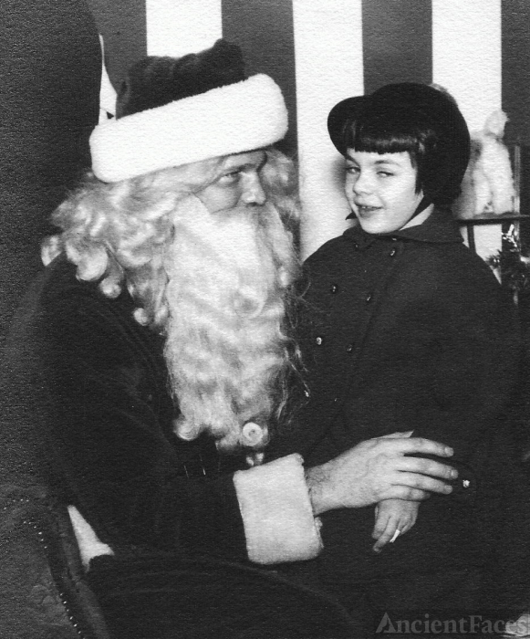 Mary Louise Yarnall & Santa, 1954 Pennsylvania