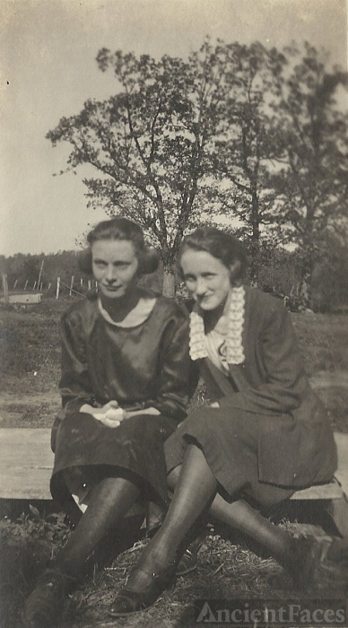 Edith Foster & Mabel Fisher, Missouri, 1920's
