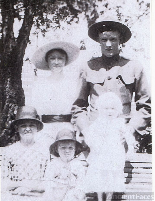 Ida,David Tapp and sister Minnie