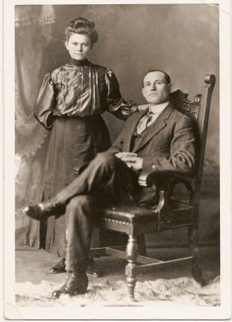 Robert Jackson Shelton and Della Crail shortly after they were married