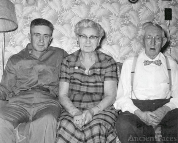 Russell, Janie, & Fred DeJaynes, Illinois 1950