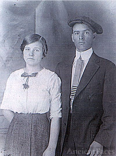 Martin & Mary (Piercefield) Swartz, Indiana 1917