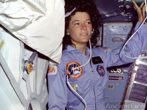 Sally Ride - 1st U.S. Female Astronaut dies