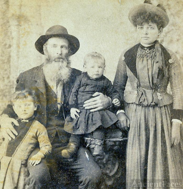 Unknown Campbell/Foster  Family