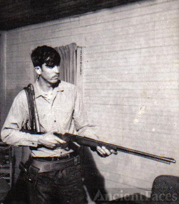 Freddie Knowles with rifle