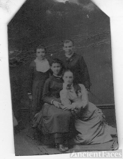 Unknown Family group, Indiana