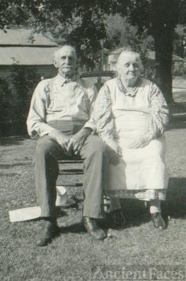 Milford and Myrtle Jones Cross