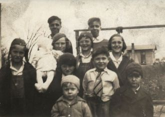 Maurice & Herman Leffew w/possible cousins