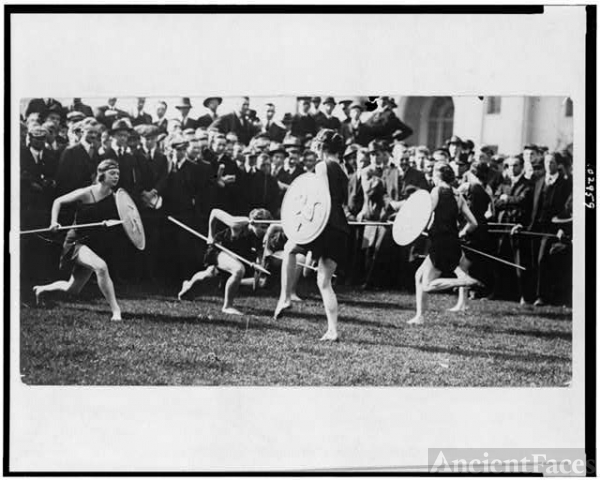 [Marion Morgan's art dancers doing a pyrrhic dance, in...