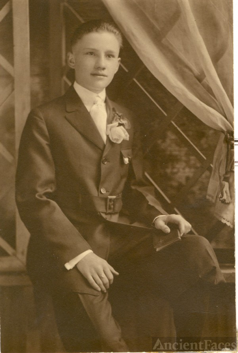 Oscar Robert Meyer confirmation 1919